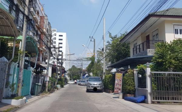 ขายอพาร์ทเม้นท์ ถนนพุทธบูชา น่าลงทุน ใกล้ ม.พระจอมเกล้าธนบุรี