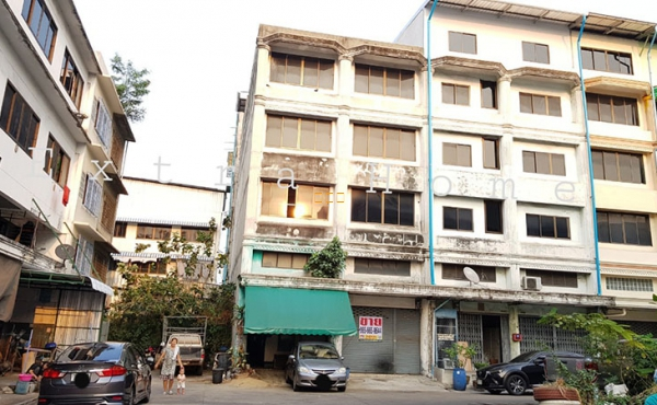 ขายอาคารพาณิชย์ ขายตึกแถว หมู่บ้านดีเค 20.3 ตรว. ห้องมุม ถนนกาญจนาภิเษก